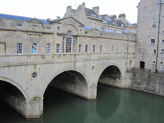 Pulteney Bridge over the River Avon: shops are built on both sides of the bridge, so one cannot tell they are over water when crossing this bridge