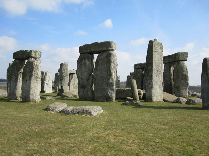 Stonehenge is made up of two different types of rock: the outer ring is sarsen and the inner ring is bluestone