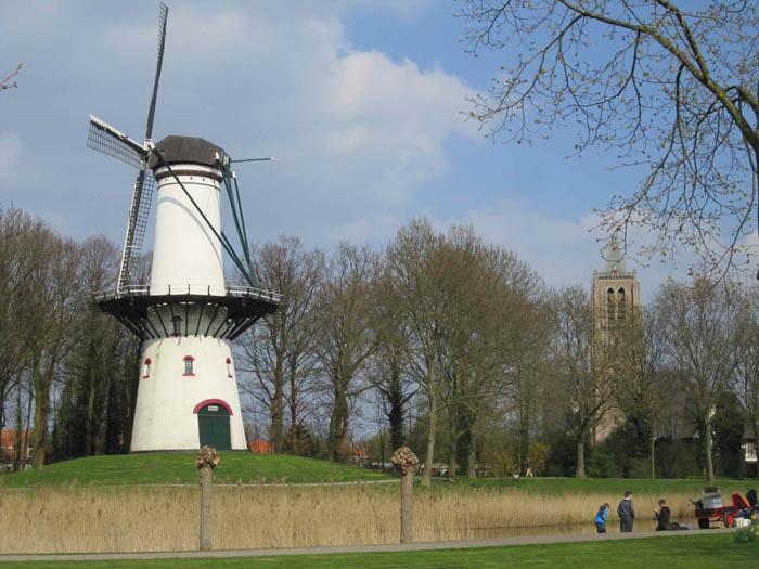 The Molen (Windmill) and Kerk (Church) of Tholen