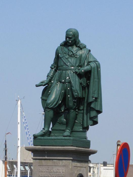 Monument to famous Dutch sea admiral Michiel de Ruyter in Vlissingen