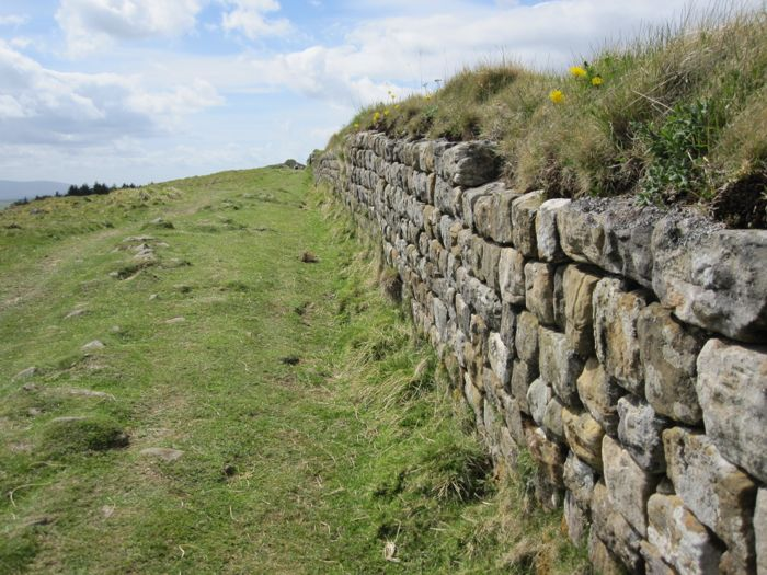 See how the stones of the wall are so neatly stacked? Those Romans.